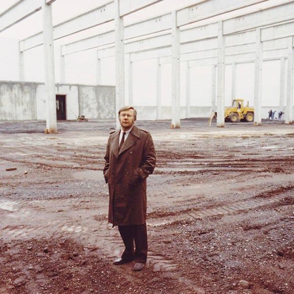 Rohbau fuer den neuen Sonnen Herzog-Laden 1986